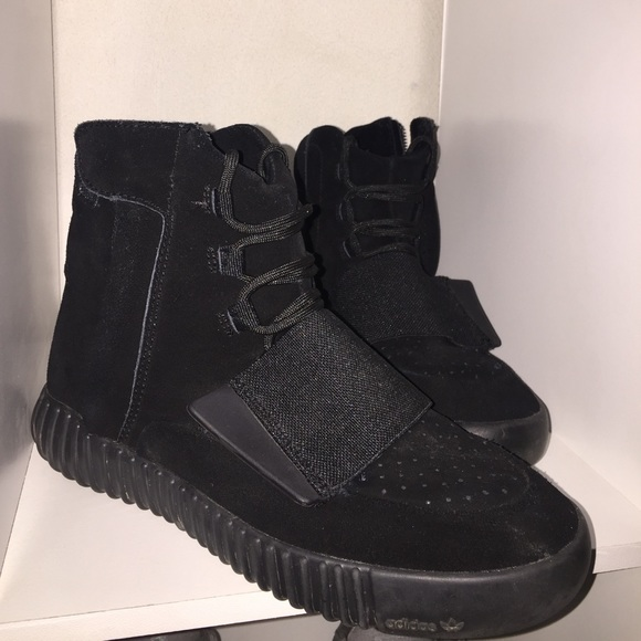 free shipping 44a68 5ea26 All black Yeezy 750 boost🖤