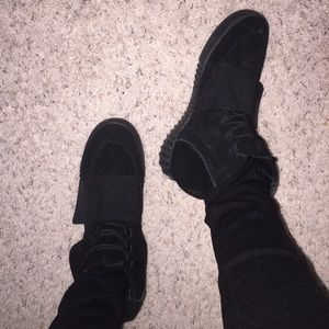 free shipping 64888 91598 All black Yeezy 750 boost🖤