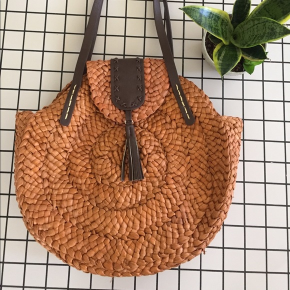 a88bf281a4 BRAND NEW Round Straw Woven Basket Tote