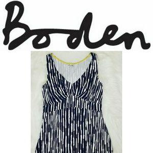 Boden Women's sleeveless Vneck stretch tank
