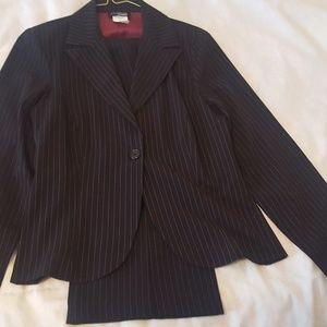 Suit black/pink pinstripe
