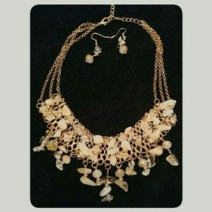 Jewelry - Natural Blush Stone Gold Statement Necklace Set