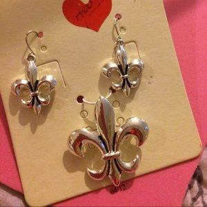 Fleur de lis slide/earrings