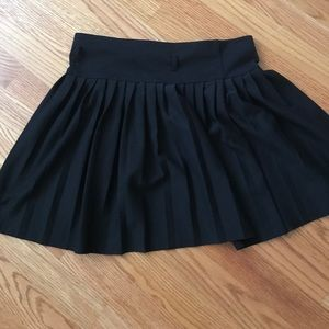 Dresses & Skirts - Black pleated skirt skater skirt circle