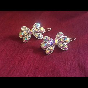 Accessories - Iridescent pair of hair clips!