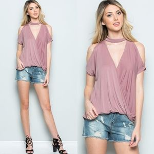 TABBY Cold Shoulder Choker Top - MAUVE