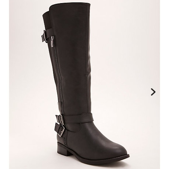 771cf869099 Wide calf black boots Size 10