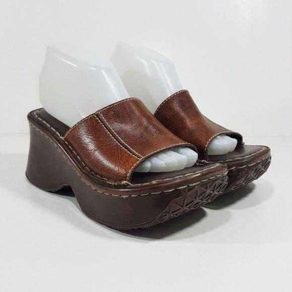 05102ca834a332 Steve Madden Vintage 90s Platform Sandal Slides. M 59a093af3c6f9f8701006241