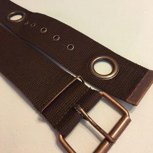 Accessories - Brown canvas grommet belt