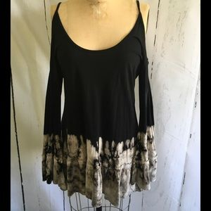 Tops - NWOT COLD SHOULDER TEE