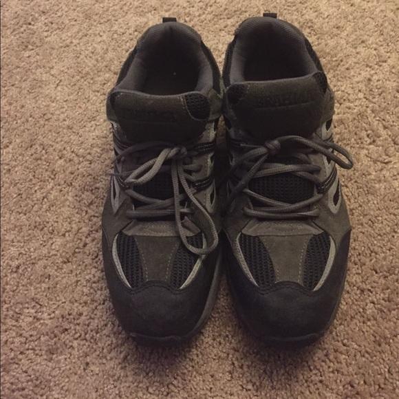 brahma size 13 steel toe slip resistant shoes