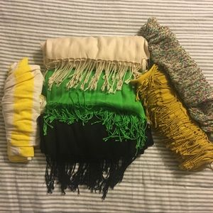 Set of 6 different scarves of various colors/brand
