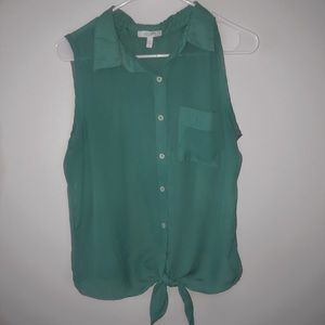 SUPER CUTE! Green Button Down Tank Top