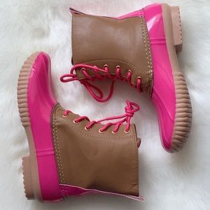 Shoes - 2X HP‼️ Pink Duck Boots Rain Boots