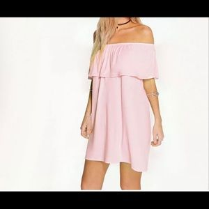 Dresses & Skirts - Cute off the shoulder boho dress!