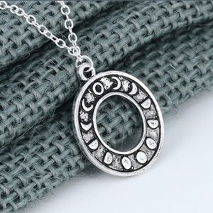 Jewelry - 🌗🌘🌑 Moon phase necklace 🌑🌒🌓