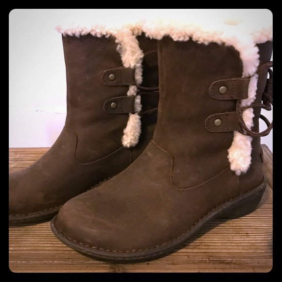 9f944cc5c42 UGG Akadia boot - Size 7 in Stout Leather