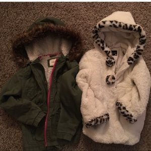 Two Girls Coats Size Small. (5/6)