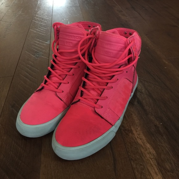 787f3ad4e2b Women's SUPRA Skytop Hot Pink. M_59a1b0498f0fc41676015019