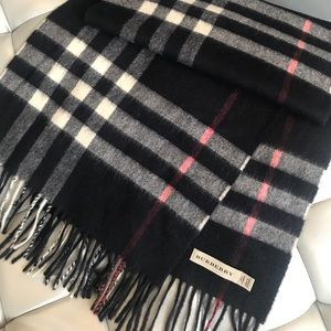 """Burberry """"The Classic"""" Cashmere scarf"""