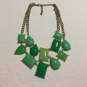 Jewelry - Gorgeous green necklace