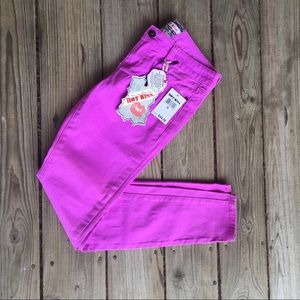 "✨NWT! Hot Kiss ""Skinny Lily"" Jeans"