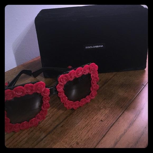 969d877b6ae9 Dolce and Gabbana Spanish Roses Sunglasses 😎. M 59a1cefa2ba50ab38b01f046