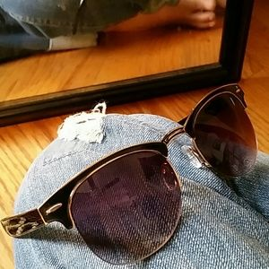 Accessories - FREE* Black purple lens bottom frameless sophis