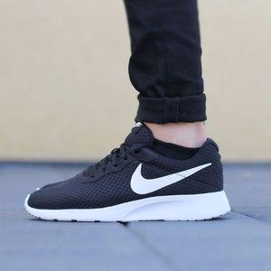 Nike Men's Tanjun size 10