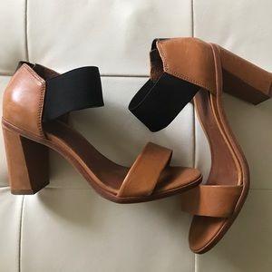 Bernardo Vero Cuoio size 5 heels