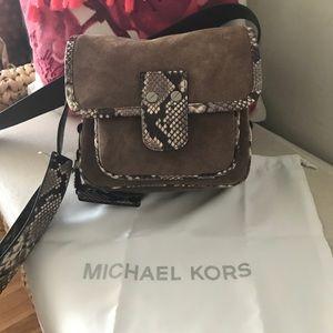 Michael Kors MD Messenger