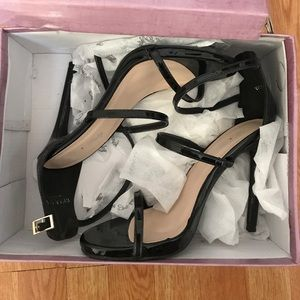 Shoes - Annie Pinky Black Strappy Heels size8