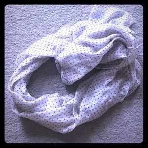 Accessories - Polka dot scarf 💕✨