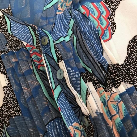 Daniel Rainn Tops - Sleeveless Floral Print Top
