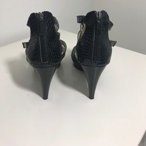 Aquatalia Shoes - Aquatalia embossed heels