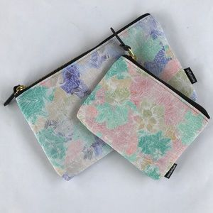 Set of two Printed Carry-All Pouches