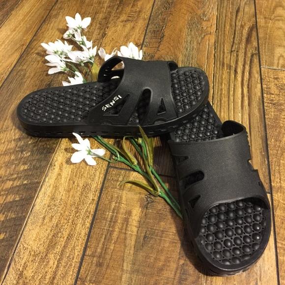 57c2bc53a50b44 Sensi Sandals. M 59a21b6a713fdecbe1033cad