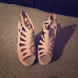 Nude pink wedge