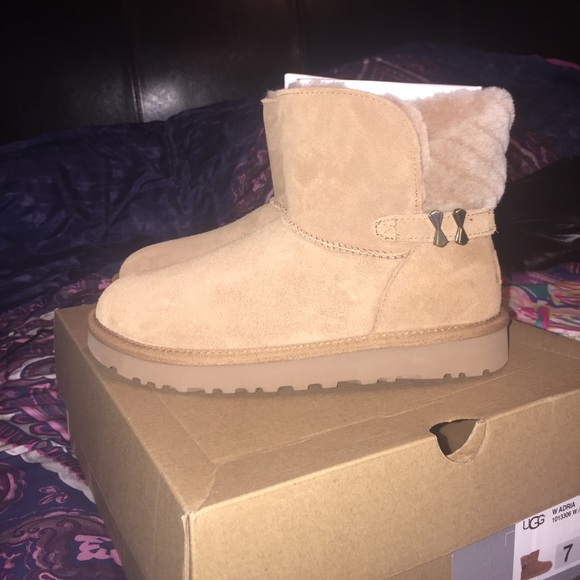 77951cc1c98 Women's ugg Adria ankle boot (chestnut) NWT