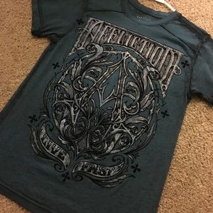 Affliction T Size M (FITS LIKE A SMALL)
