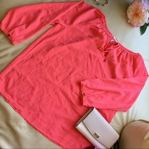 🍍2 for $10 NWT Coral tie neck keyhole top