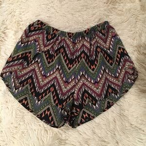 Pants - Tribal Pattern Shorts