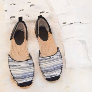 NWOB UGG Libbi Serape Black/Blue Espadrille Flats