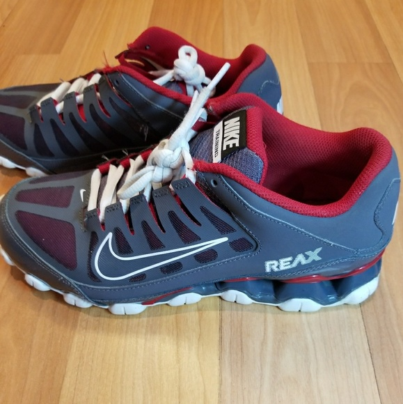 NIKE Men s Reax 8 Mesh Training Shoes 5c37f3579