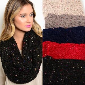 Knit Infinity Scarf : Red