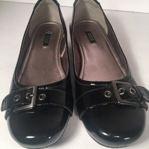ECCO  Black Patent Leather Buckle Flats Shoes