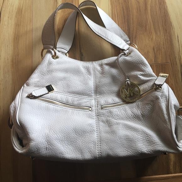 59cbe90c04e8c7 Michael Kors Bags   Authentic Fulton Large Shoulder Bag   Poshmark