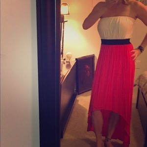 ClosetClearOut Gorgeous high low dress