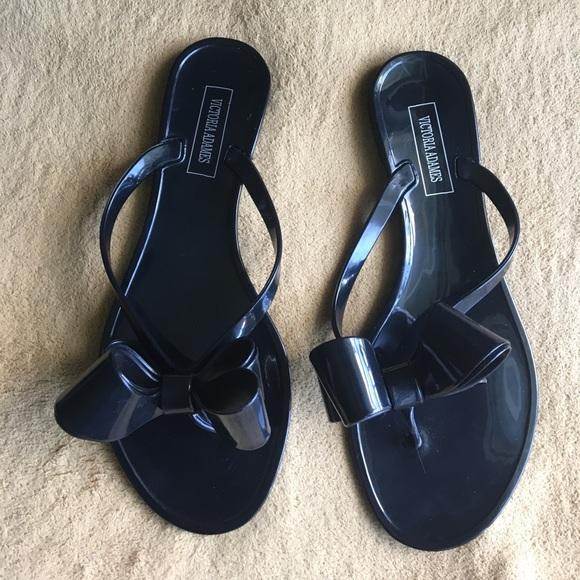 097e5a243d9e Black Victoria Adames flip flop size 38   8- US