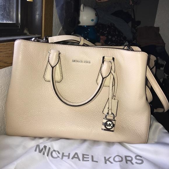 6f244e157b81 Michael Kors Bags | Large Camille Satchel Purse | Poshmark